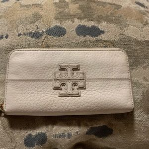 Tory Burch double stacked logo wallet